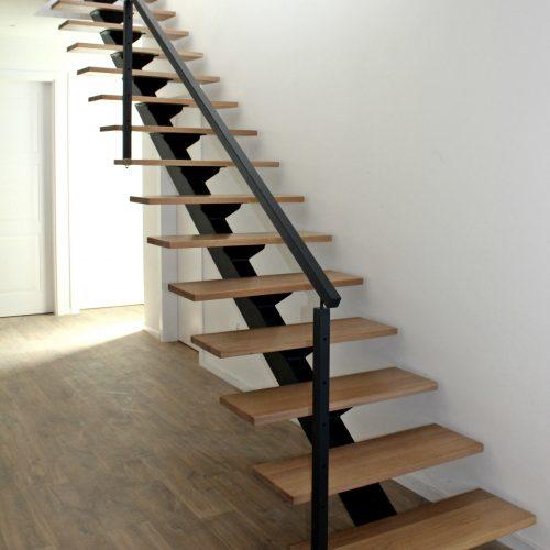 mono stringer steel staircase, mono stringer wooden staircase, staircase malta
